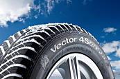 GoodYear Vector 4Seasons SUV 235/55 R17 103 V XL Univerzálne